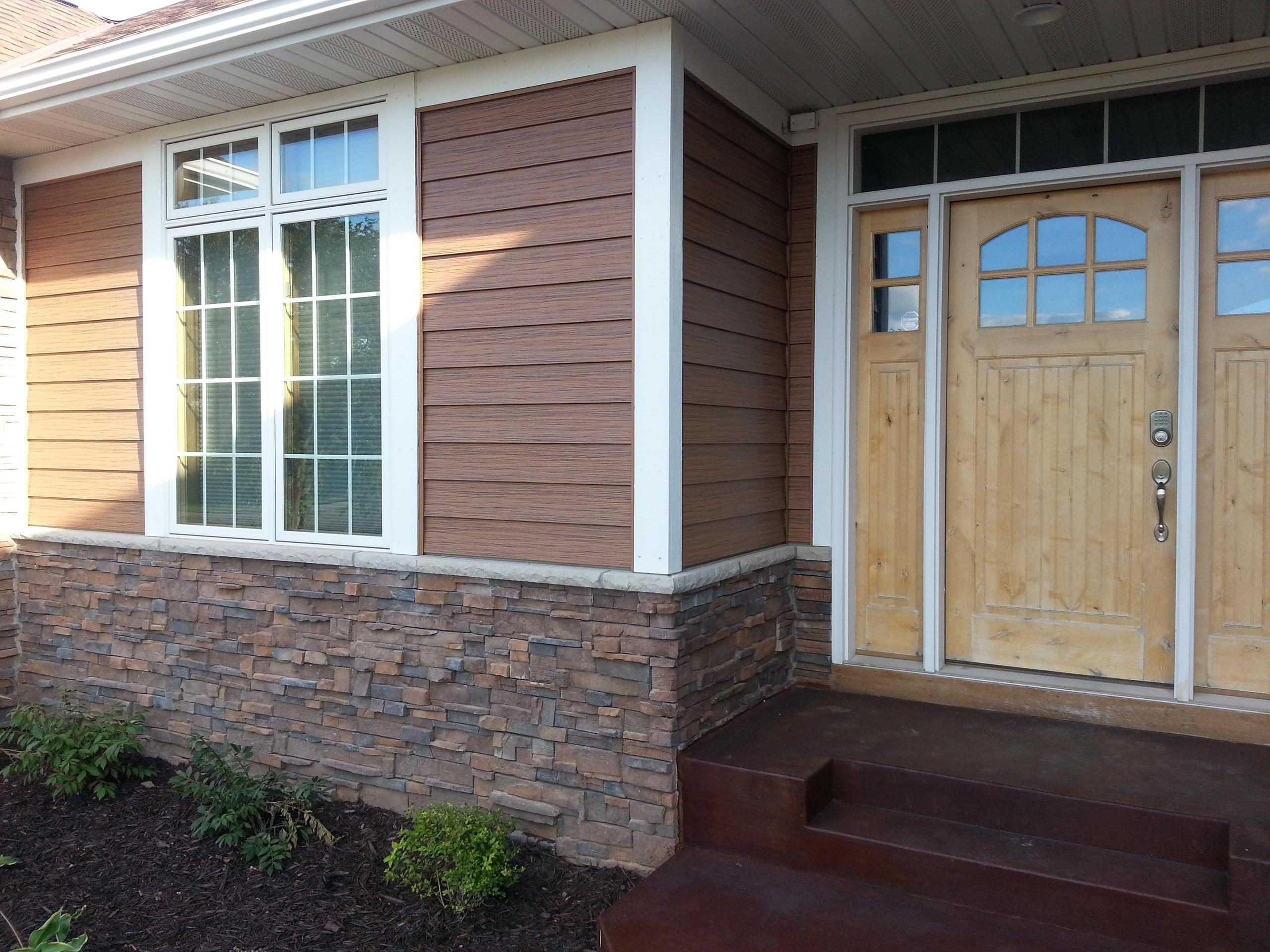 EDCO's residential cedarwood siding on a single family home.