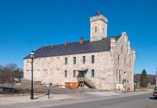 A beautiful stone building in Pennsylvania chose an EDCO ArrowLine Slate roof in Statuary Bronze Enhanced color to give the historical nature of the building timeless style and durability.