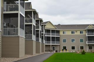 EDCO's traditional lap siding on apartment complex in Minnesota.