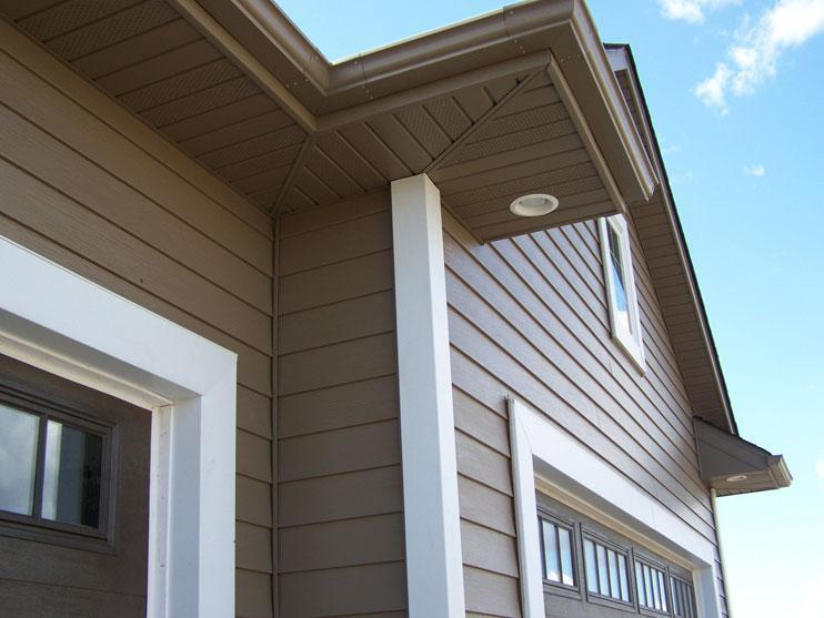 The beauty of the EnduraGrain embossed siding gives the home a natural wood-grain look while being virtually maintenance-free.