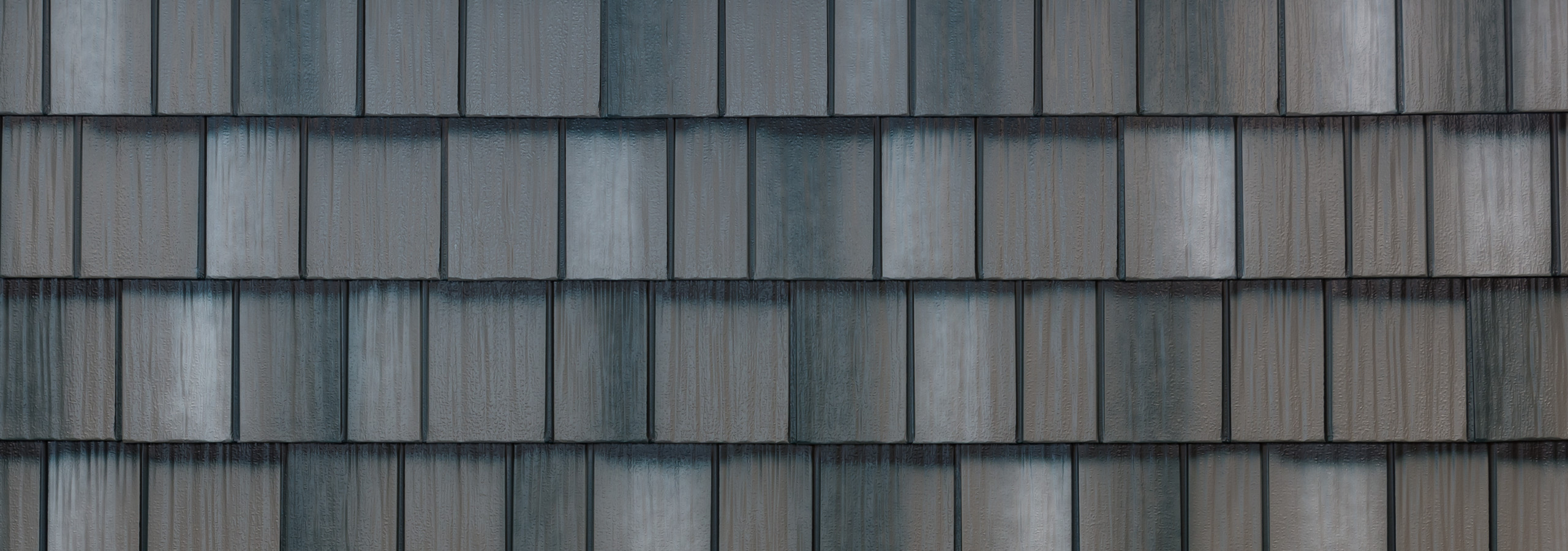 Charcoal gray/grey blend steel shake roofing
